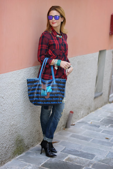 red plaid shirt, marc by marc jacobs tote bag, stivaletti Paciotti, Fashion and Cookies, fashion blogger