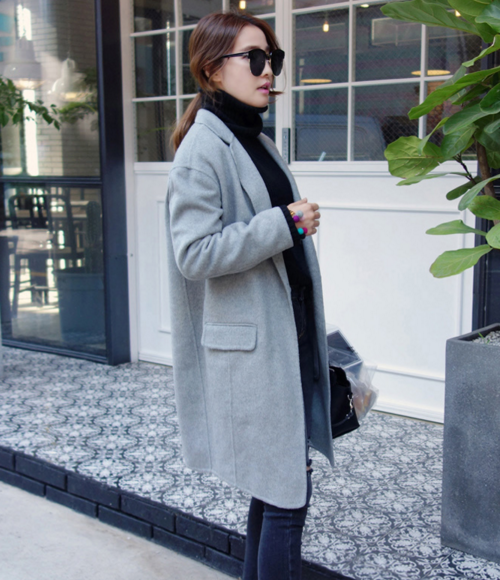 Single Breasted Coat with Slim Lapel