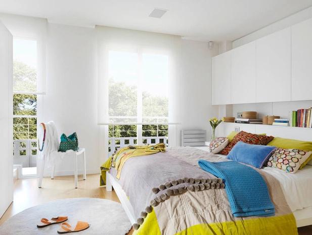 apartamento lleno de color