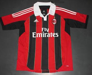 Kostum AC Milan Terbaru 2013