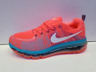 Sepatu nike warna pink