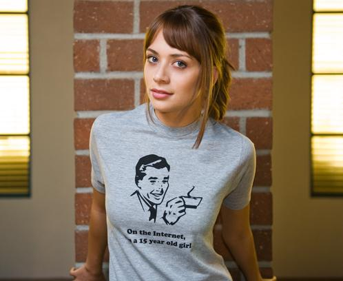 Girls in funny t shirts jennifer lawrence hot pics for Girls in t shirts