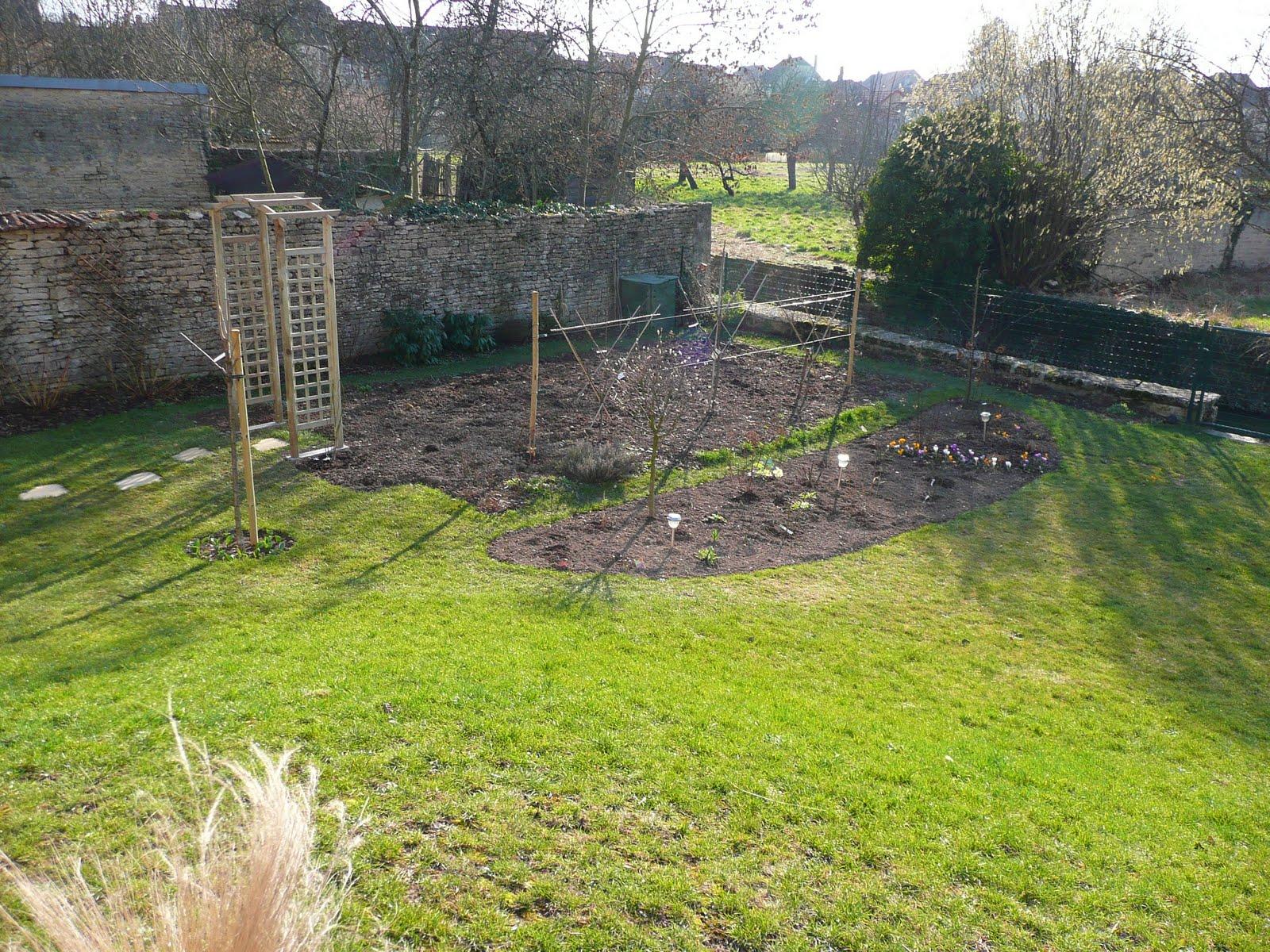 Notre jardin secret massif pinky winky avant apr s for Jardin 0 l4anglaise