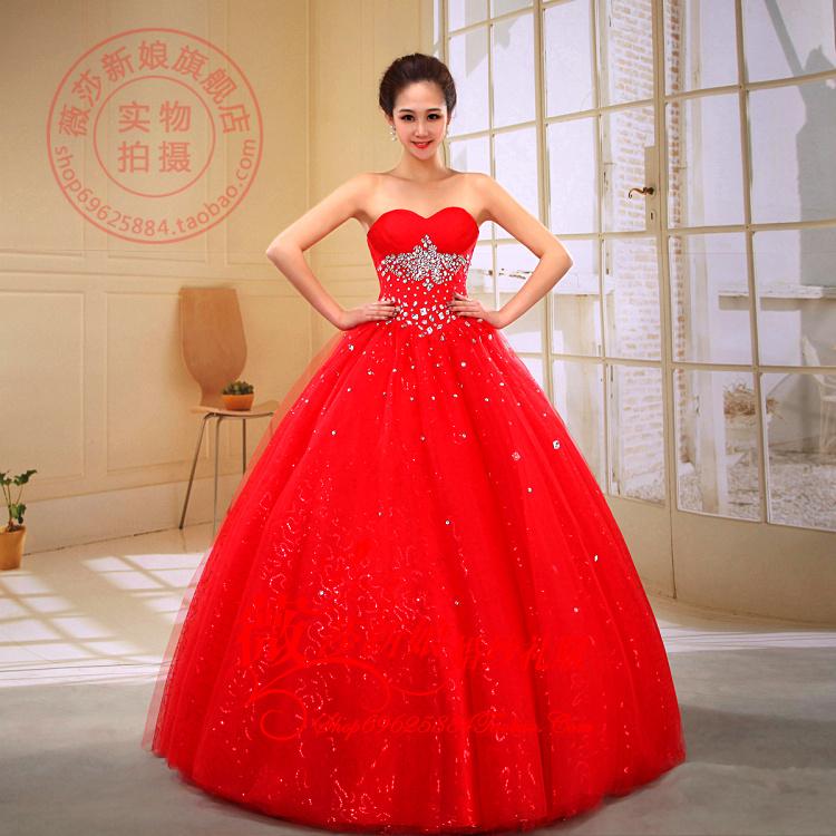 Платья красного цвета с бантом