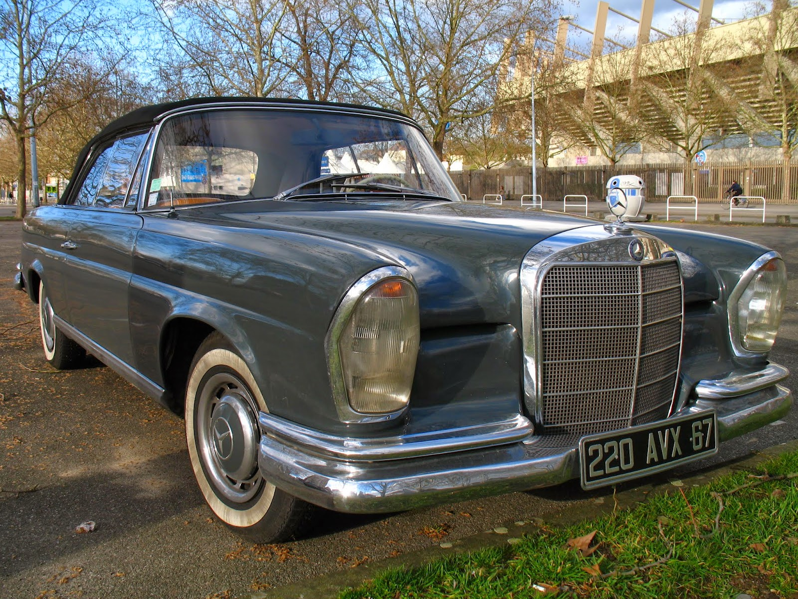 1959 1965 mercedes benz w111 220 se convertible france spot a car. Black Bedroom Furniture Sets. Home Design Ideas