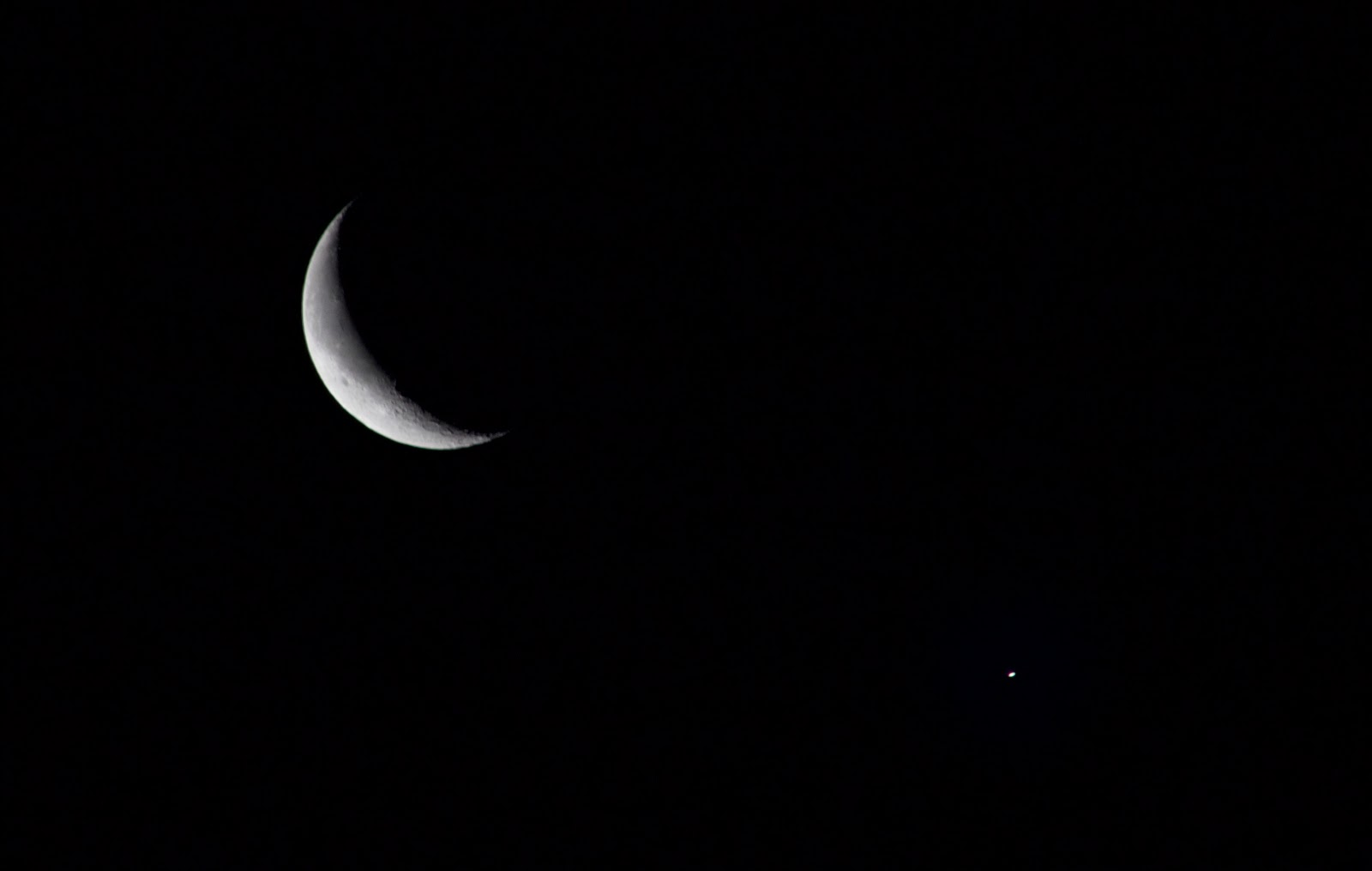 crescent moon and saturn conjunction january 2015