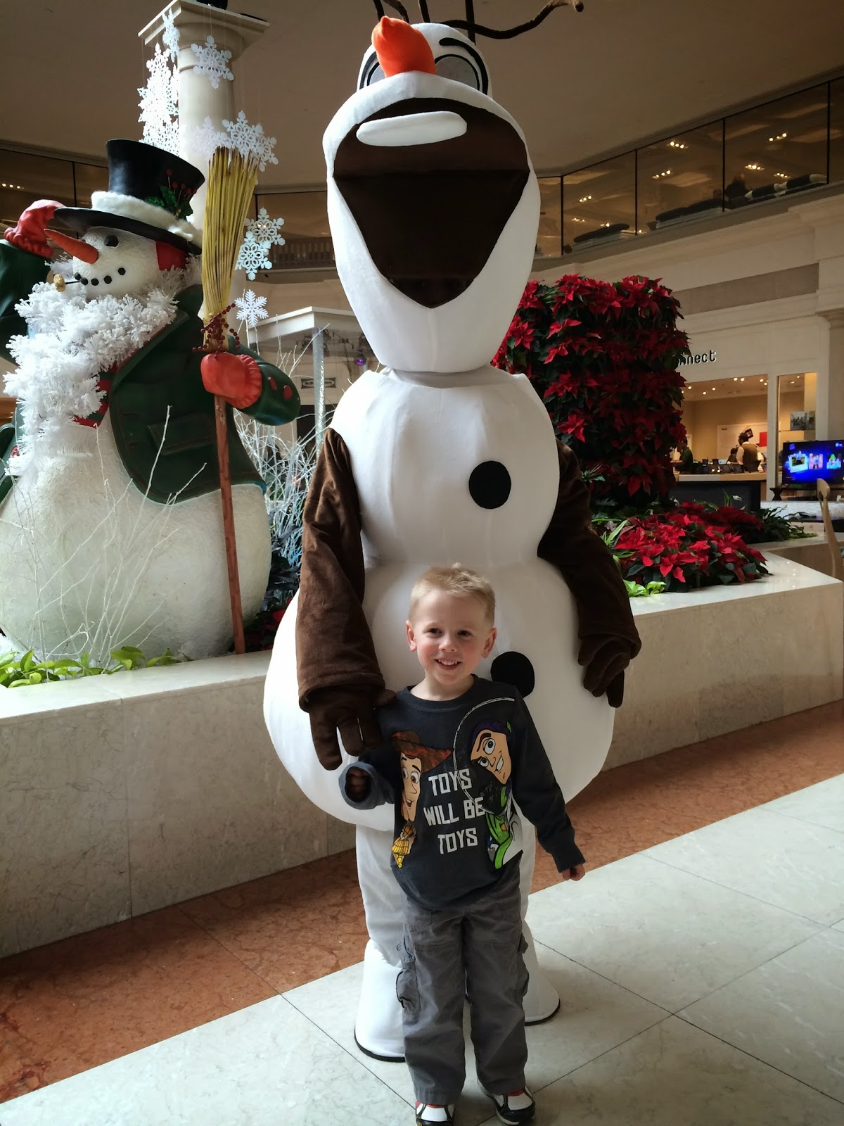 Olaf visits Abt fo the holidays!