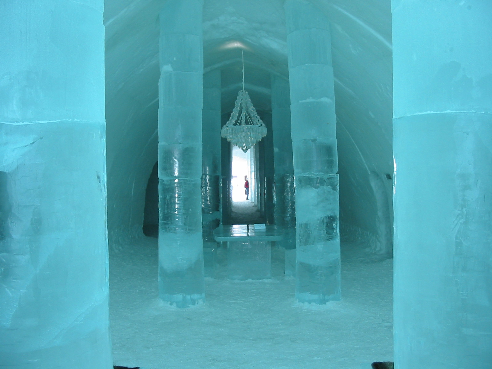mysansar ice hotel in sweden city. Black Bedroom Furniture Sets. Home Design Ideas