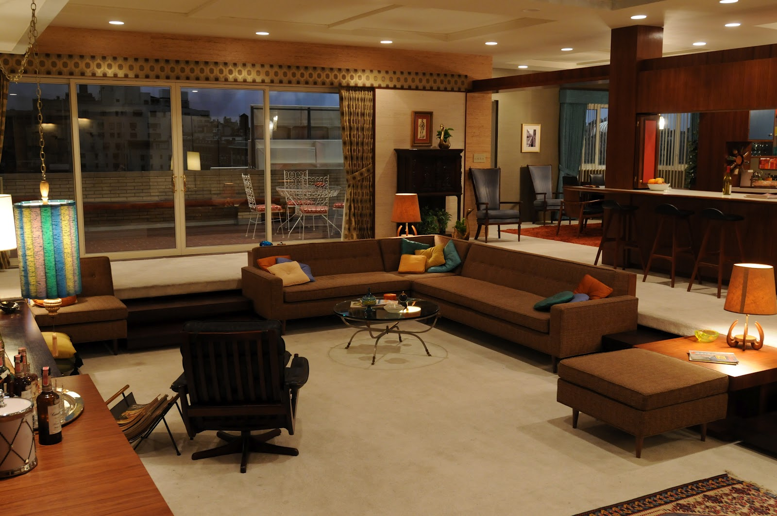 Grosgrain mad men sunken living space comeback for Klaus k living room