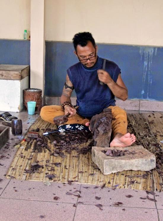 Bali artisan