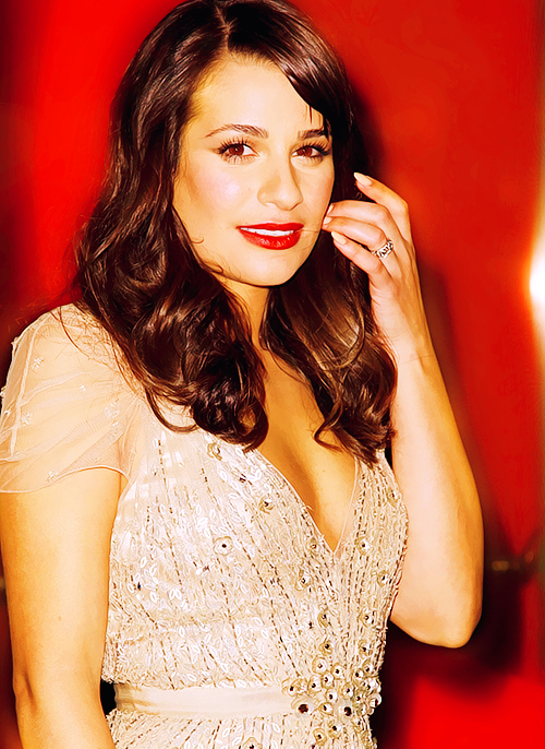 Lea Michele Hairstyles 34