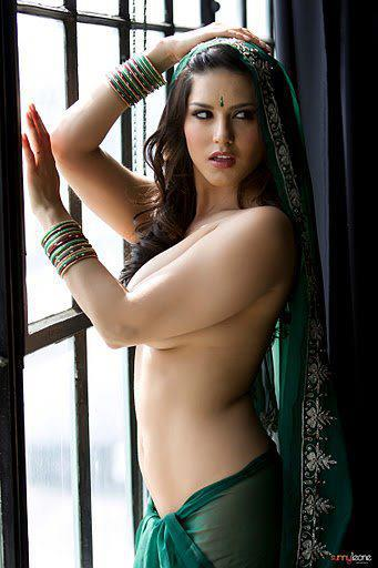 Geek Addiction Pedia Sunny Leone Nude In Indian Saree