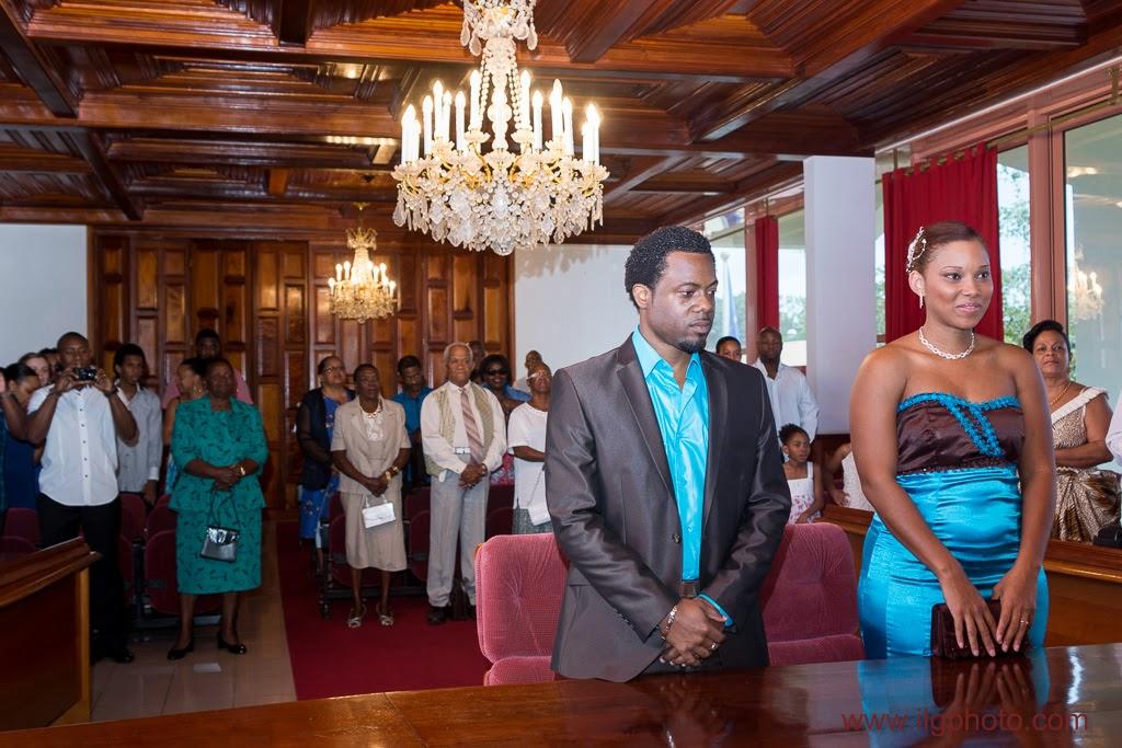 Mariage de Steffy et Manuel: salle des mariés de la mairie de Baie-Mahault