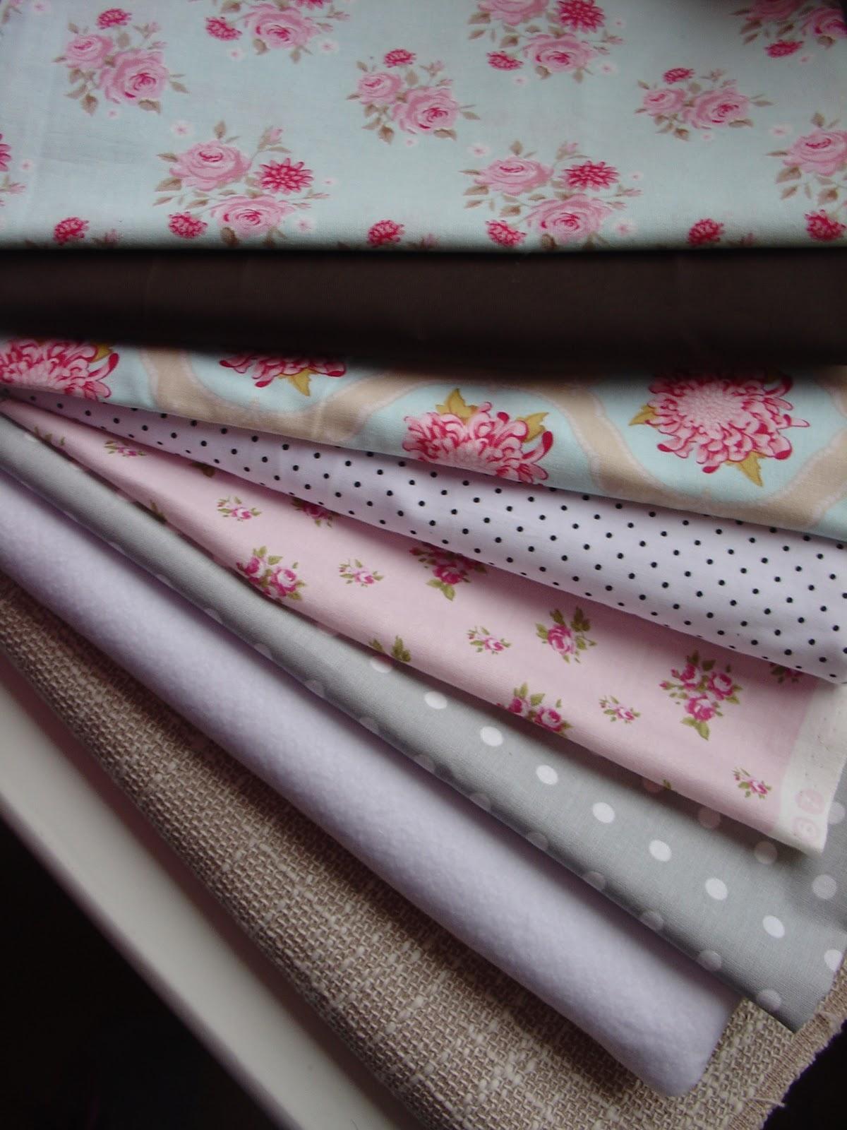 uma grande variedade de tecidos e de preços ah pois #784B5E 1200x1600