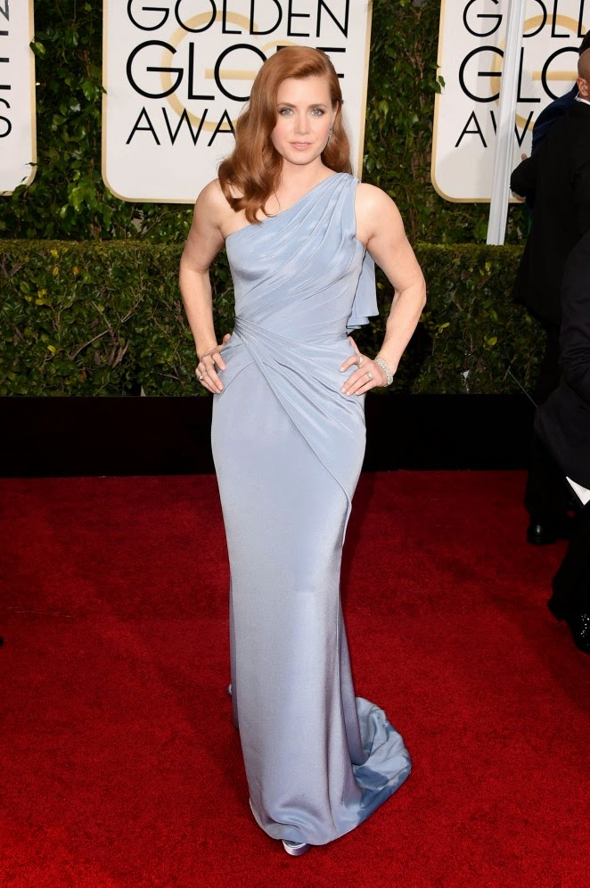 Amy Adams flaunts curves in Atelier Versace at the 2015 Golden Globes