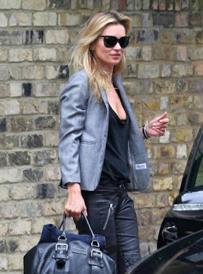 Kate Moss Plans Pool Party