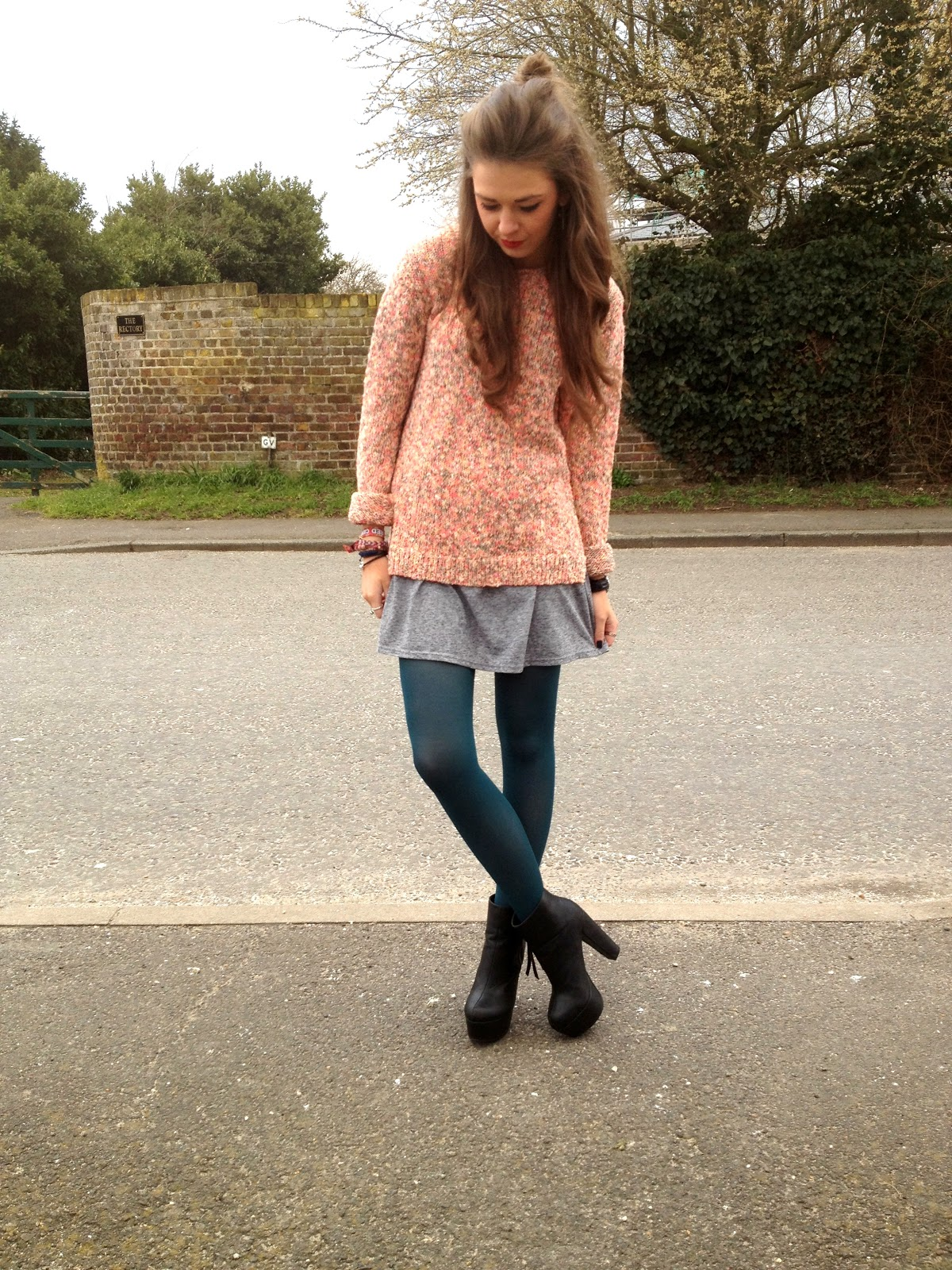 Fashion and style blog, picture of pink jumper, grey dress and green tights outfit