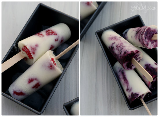 Yogurt Ice Pops w/ Berries (Paletas de Yogurt con Moras)