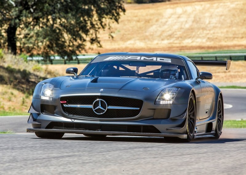 Sport car garage mercedes benz sls amg gt3 45th for Mercedes benz garages