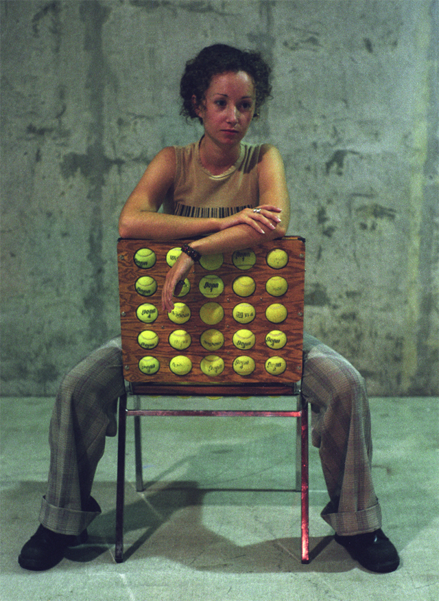 Cadeira ganha acabamento de bolinhas de tênis
