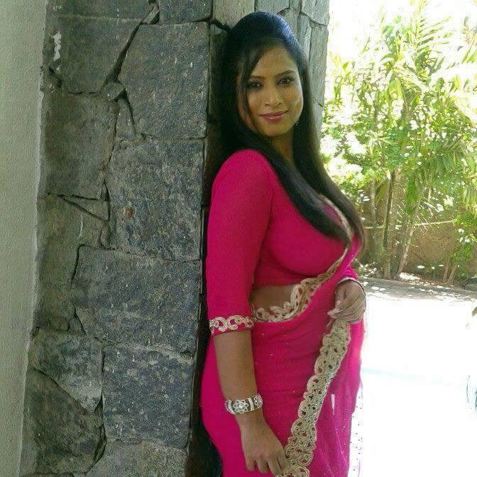 Girls Cloth, Women Fashion: Indian Desi MOM AND Desi Girls Hot Saree Dress  Photos 2016