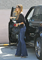 Sofia Vergara getting out of her Land Rover