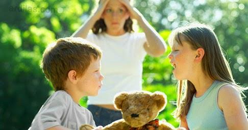 Kakak Harus Selalu Mengalah - Kebiasaan Buruk Orang Tua