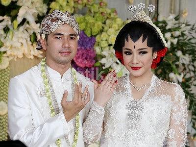 Laudya Cynthia Bella Tak Hadiri Acara Resepsi Raffi-Nagita di Bali