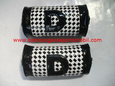 Bantal Kepala Domino 2 pcs