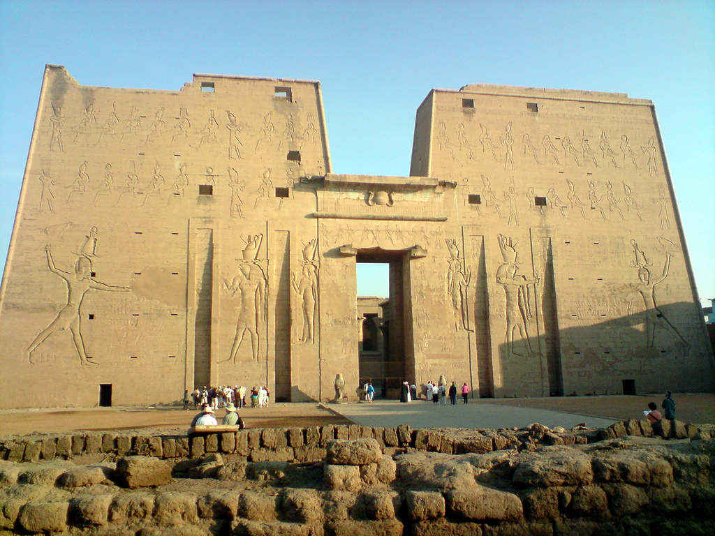 an analysis of the religious architecture of ancient egypt The new kingdom of ancient egypt was a golden age of architecture ancient egypt was a conservative country religion in the new kingdom.