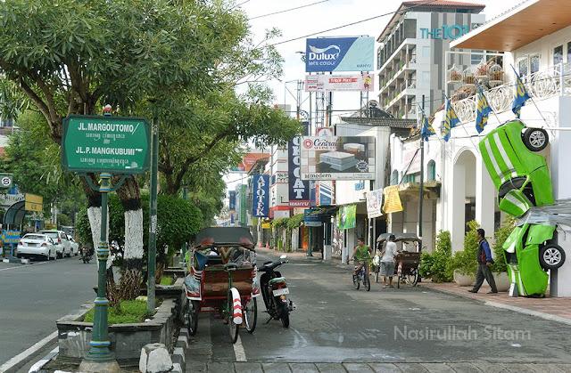 Plang Jalan Mangkubumi Yogyakarta