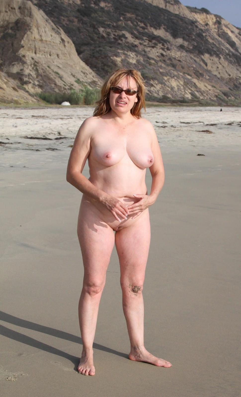 Nude softcore mature women photo need