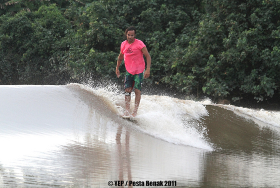 Sri Aman Malaysia  city images : Surfing In Malaysia: Pesta Benak / River Surfing in Sri Aman Sarawak ...