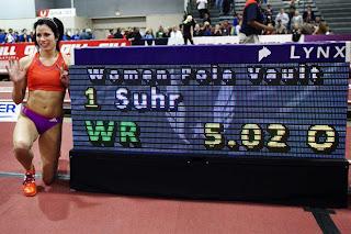 ATLETISMO-Suhr superó la marca mundial de Isinbayeva