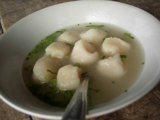 Blog Ceritaperut: Wisata Kuliner : Jajan Bakso Ikan sambil