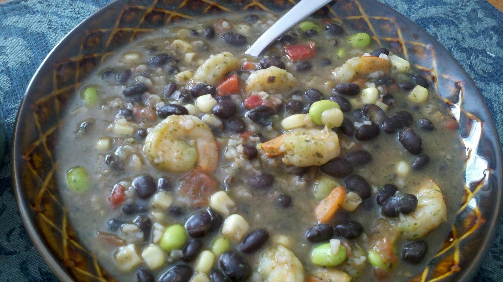 Clean Eating Machines: Vegetarian coconut black bean soup