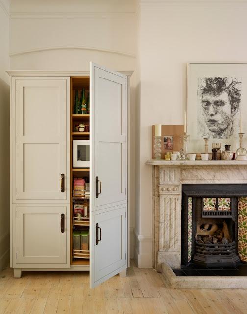 Moderner Landhausstil in der Küche – Design im klaren Schwarz-Weiß