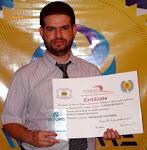 Luciano Becalete recebe prêmios pela organização de Poesias Encantadas