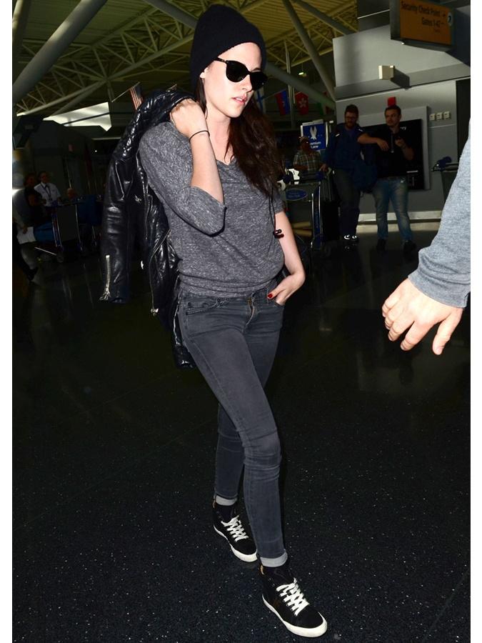 Kristen Stewart in sneakers