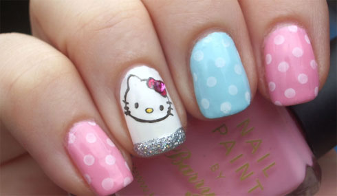 Uñas con Hello Kitty