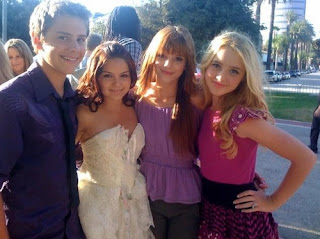 Bella Thorne And Garrett Backstrom ZENDAYA_BELLA�...