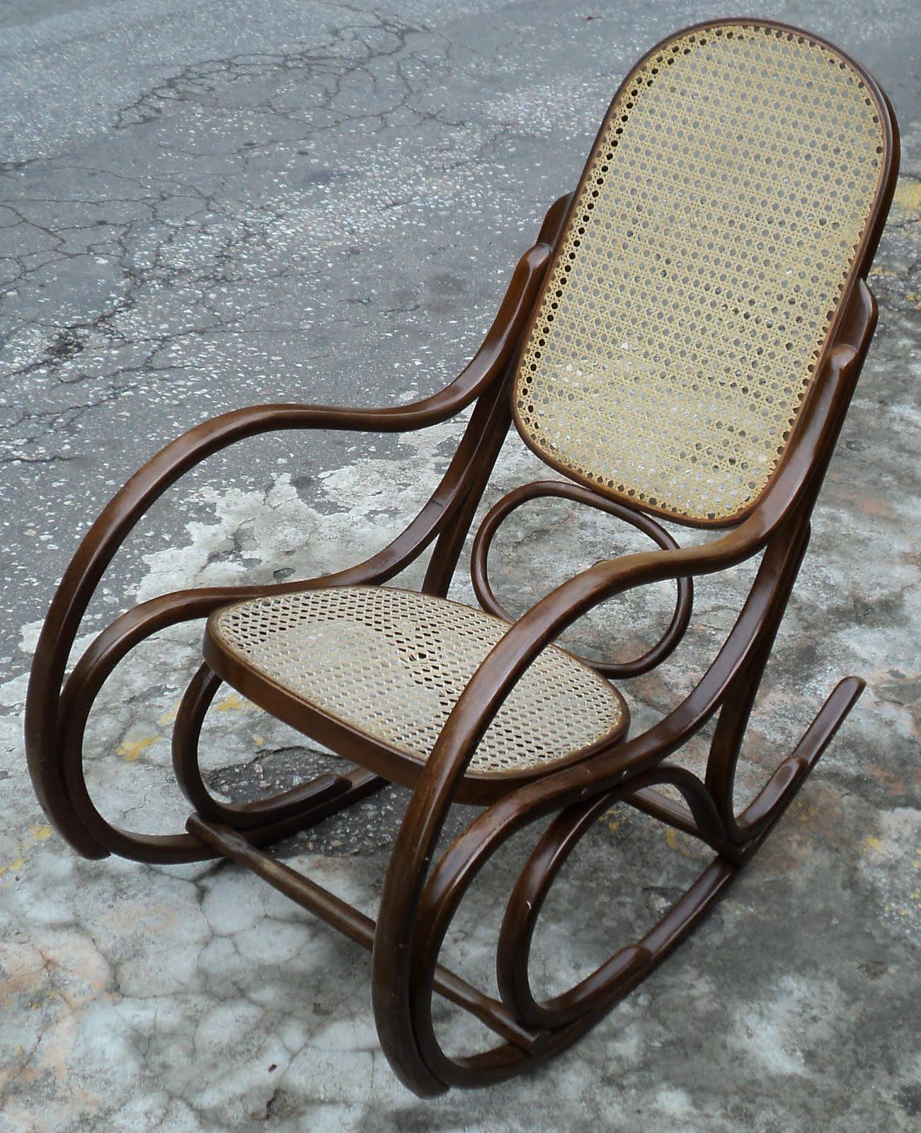 antiqualha: Cadeira de Balanço Gerdau #2E241D 1301x1600