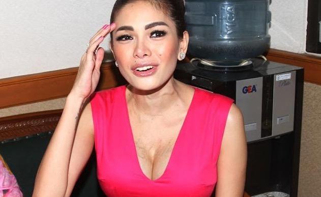 Pelakon Jelita Dicekup Ketika Sedang Berbogel