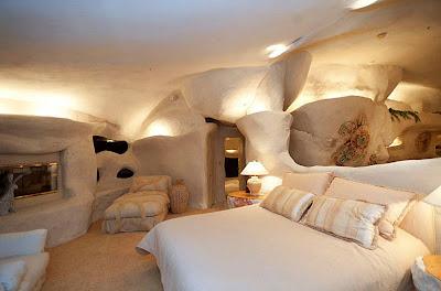 diseño de dormitorio en piedra