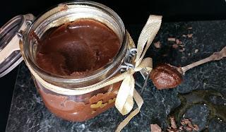 Hasselnötskräm med smak av choklad