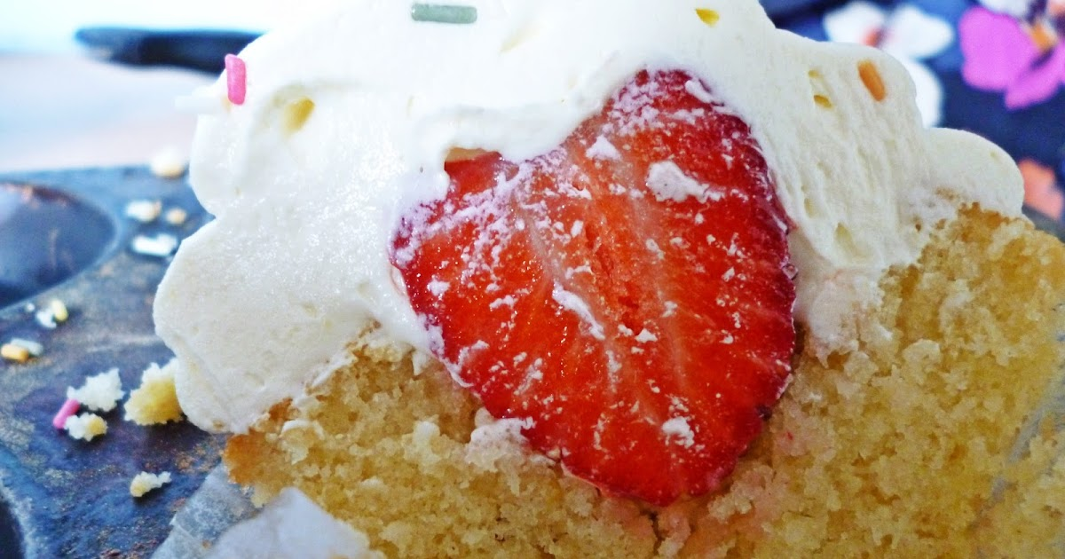 Cake Of The Week: Strawberry Surprise Cupcakes