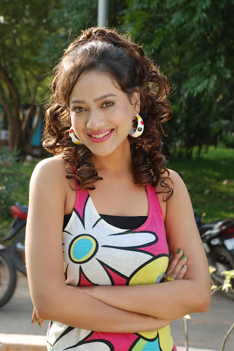 madalasa sharma actress pics