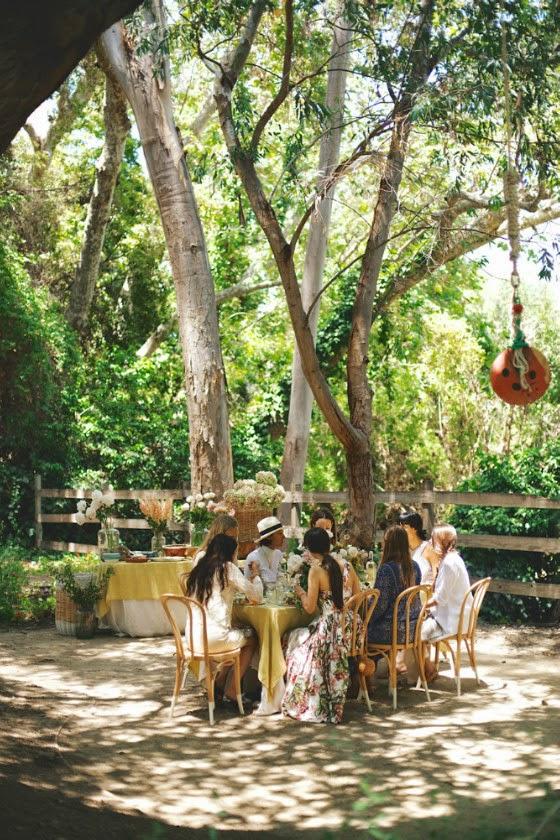 idea_celebración_jardín_mesa_amigas