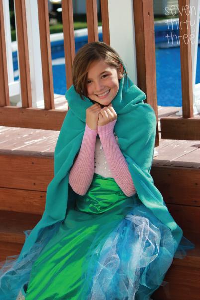 Diy mermaid costume inspiration made simple diy mermaid costume mermaid2 solutioingenieria Choice Image