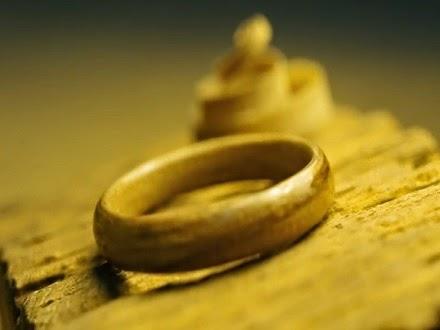 Wooden ring. Rummageinthegarage